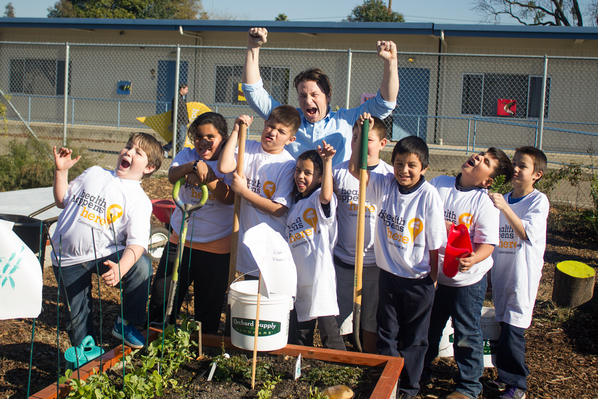 Food activist Jamie Oliver visits the garden at Pacific Elementary