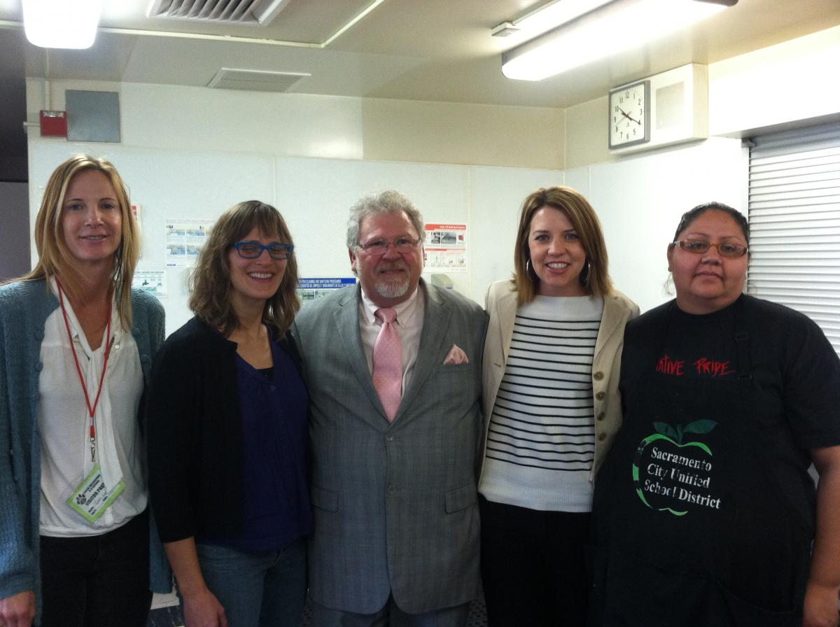 Image of 'Cafeteria Man' pays a visit to Caleb Greenwood IB Candidate School