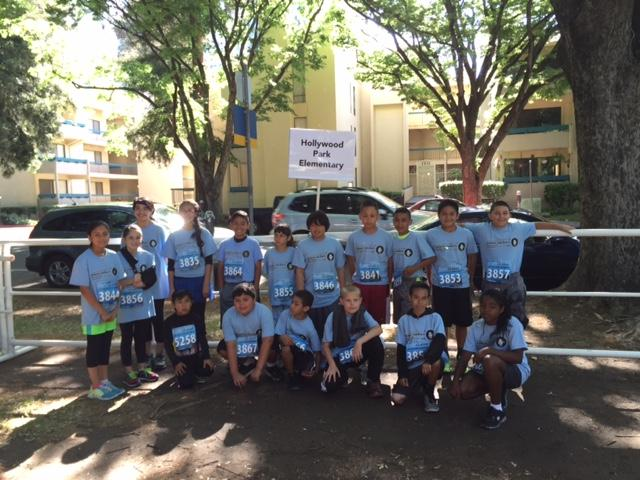 Image of Hollywood Park students participate in Runnin' for Rhett