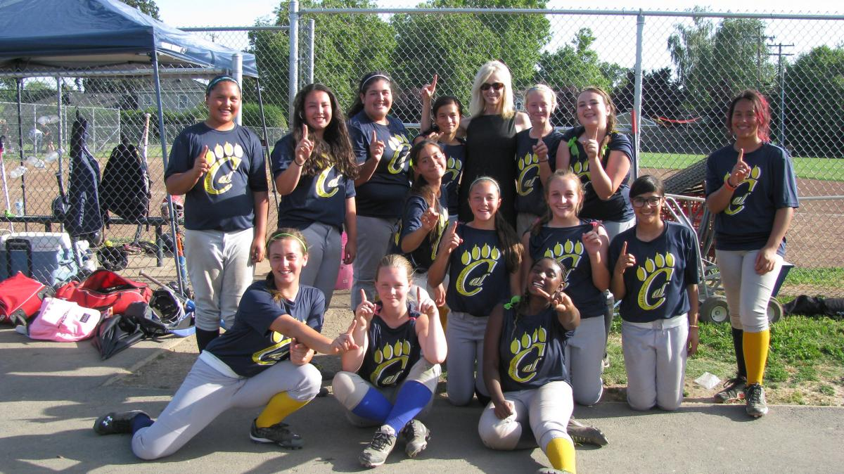 Image of California Middle School girls win 2014 City Softball Championship
