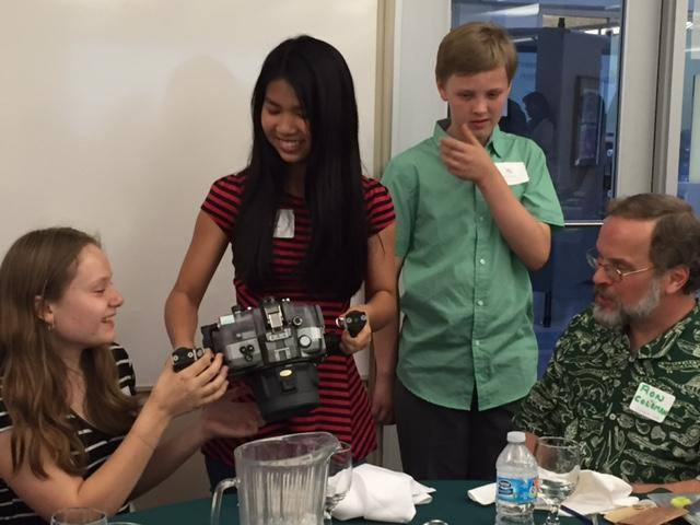 Image of Einstein students enjoy 'Dinner with a Scientist'