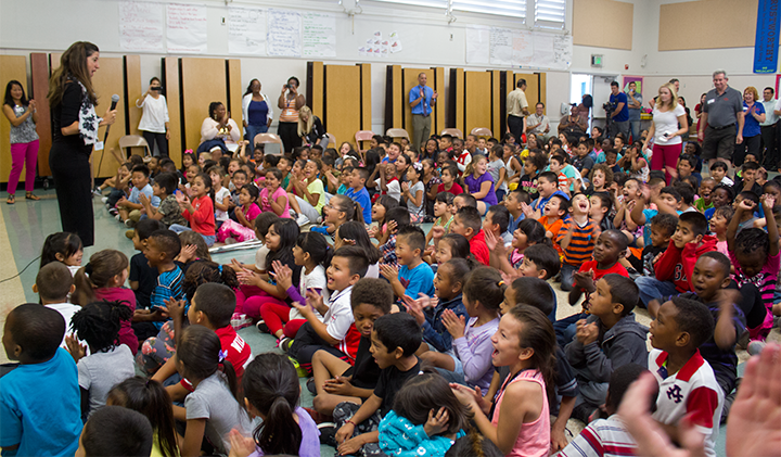 Image of Hundreds of SCUSD students get free backpacks for school