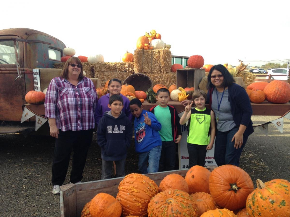 Image of John Morse students enjoy a field trip to the pumpkin patch