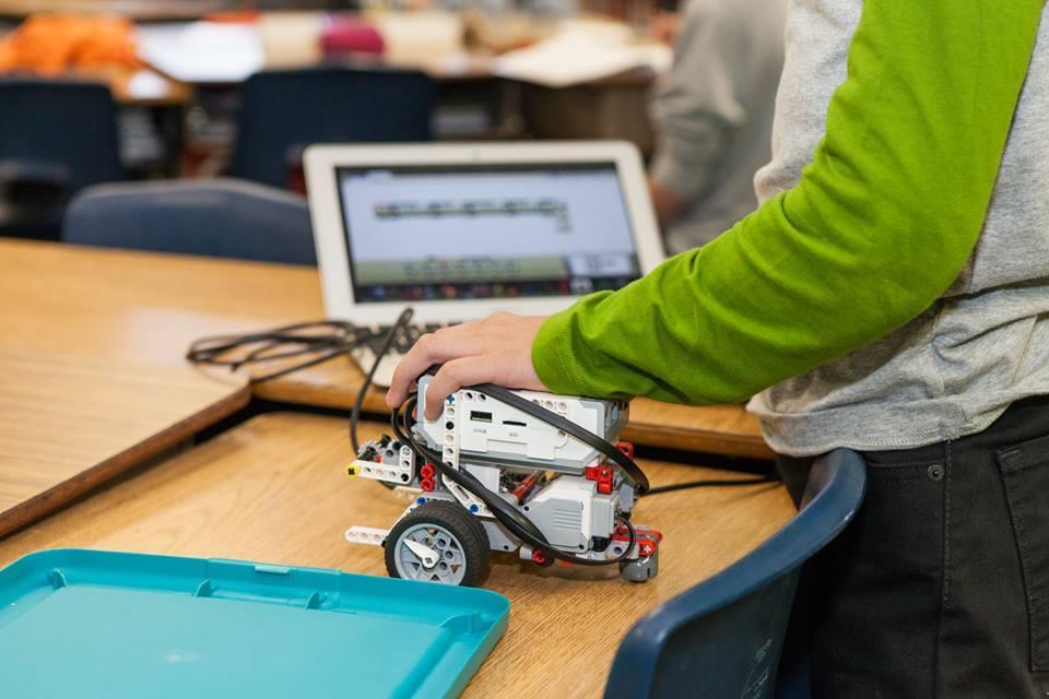 Image of David Lubin RoboRaptors advance in competition