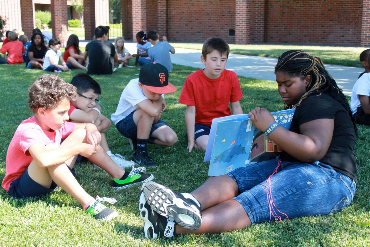 Image of California Middle School hosts annual Second Grade Read-Around