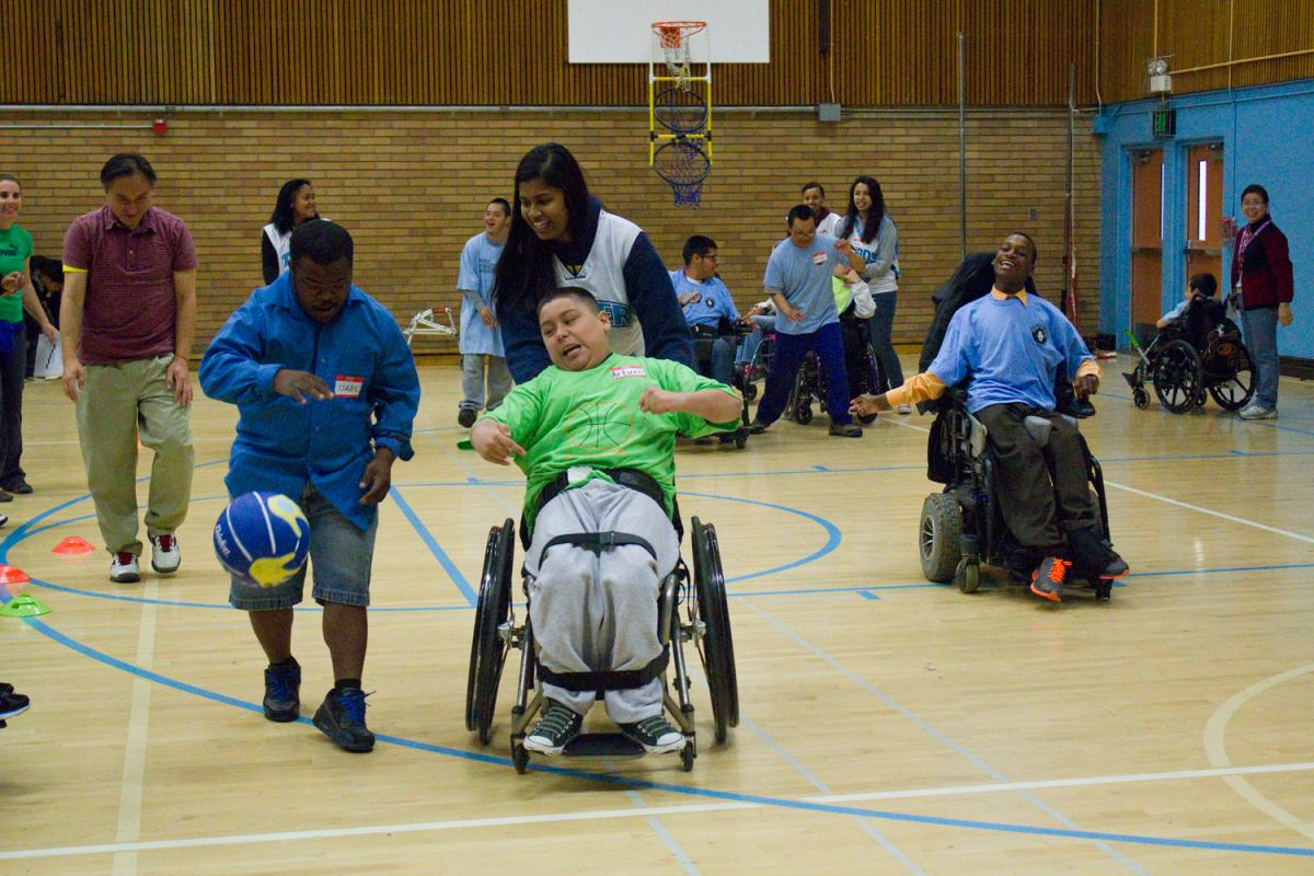 Image of Students of all abilities enjoy spring basketball tournament