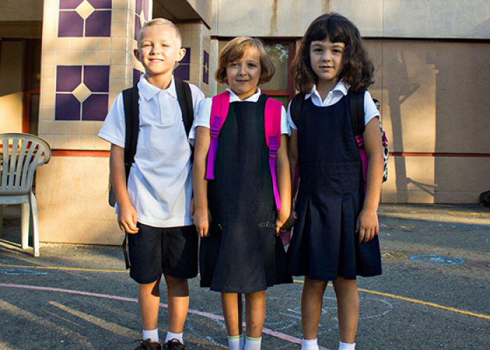 mandating school uniforms essay A recent university of houston study suggests that this might be a good thing as school uniforms can positively impact students' grades, attendance and behavior.